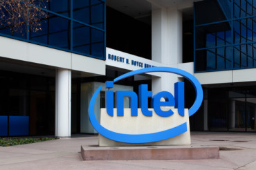 Intel's Loihi Speeds Up AI Chips Race