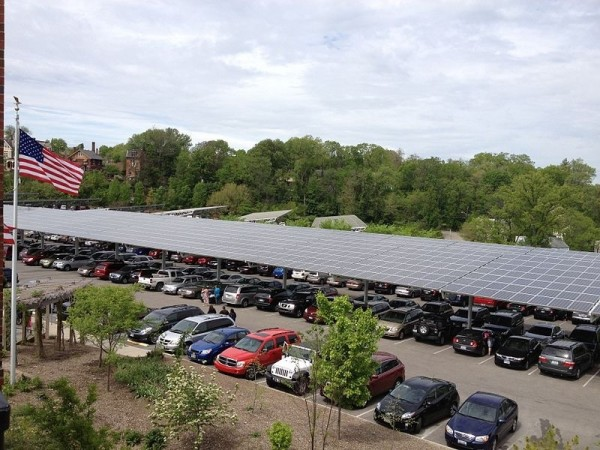 The solar panels over the parking lot help power the Cincinnati Zoo.  Source: WikiMedia