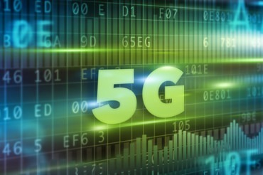 Continuous Intelligence for 4G/5G Mobile Edge Computing