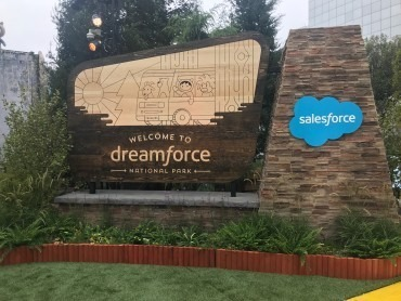 Salesforce Debuts Customer 360 Data Platform